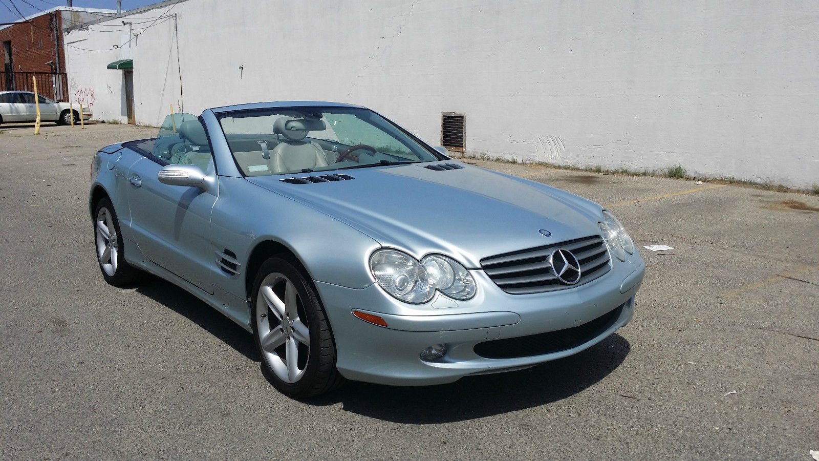 2005 mercedes benz sl class for sale for Mercedes benz sl convertible for sale