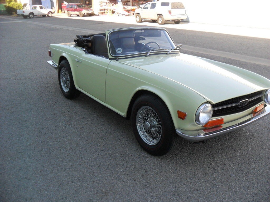 1969 Triumph TR 6 Jasmine Yellow