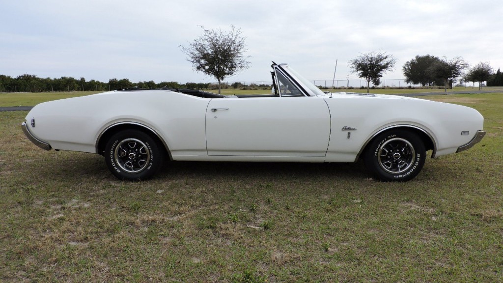 1968 Oldsmobile Cutlass Convertible