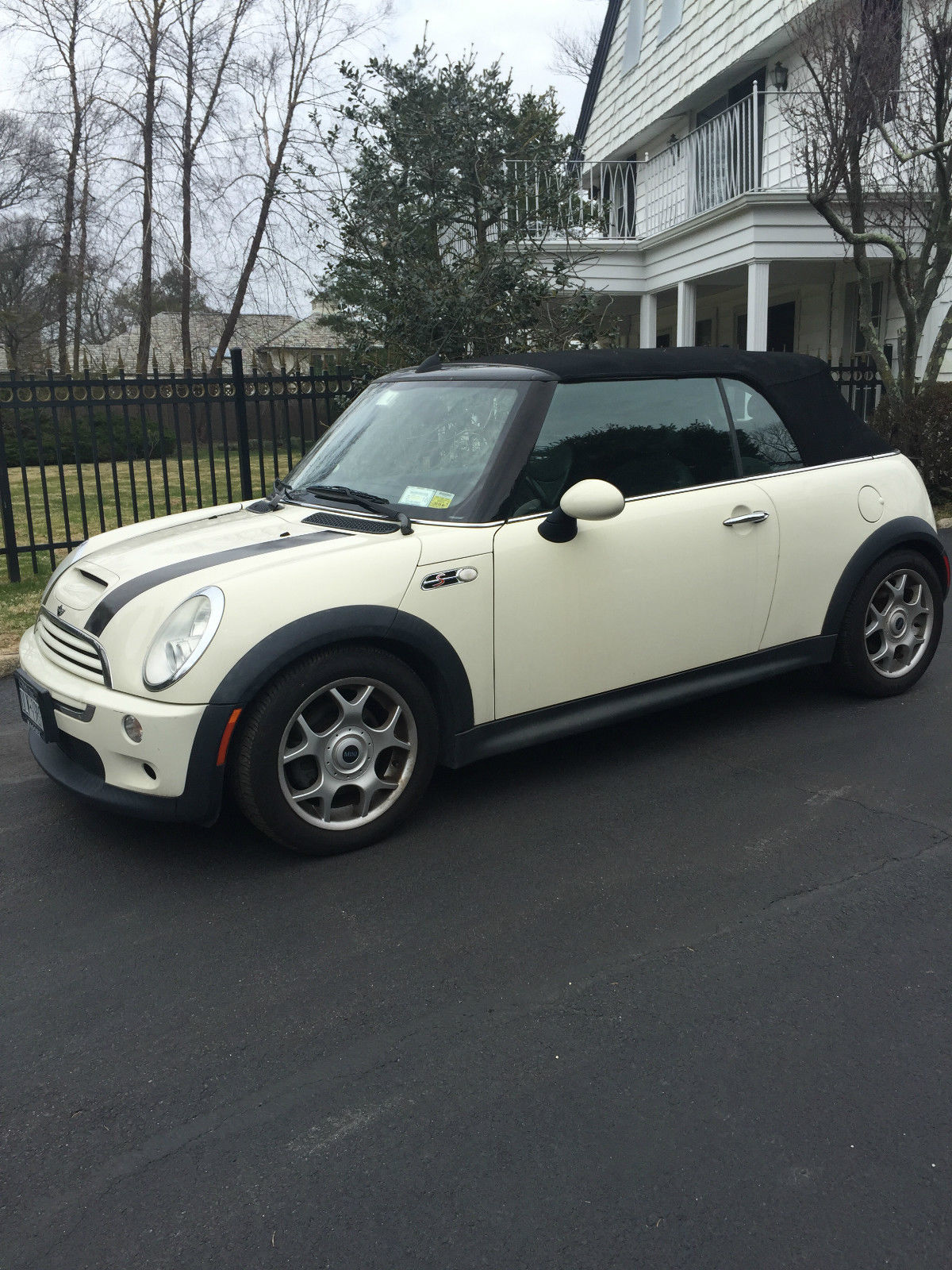 Mi Ni Clips: 2006 Mini Cooper S Convertible For Sale