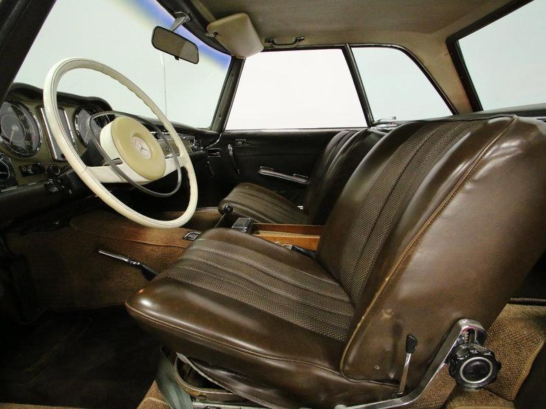 1968 Mercedes Benz 250SL Convertible