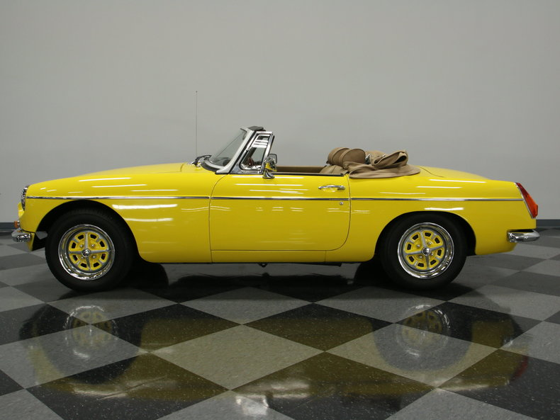1974 MG MGB roadster convertible