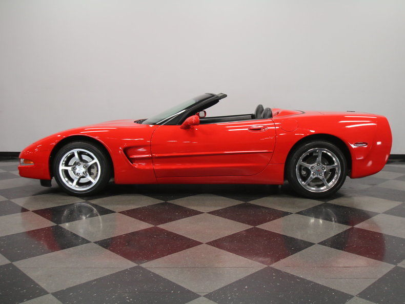2004 Chevrolet Corvette Base Convertible 2 Door