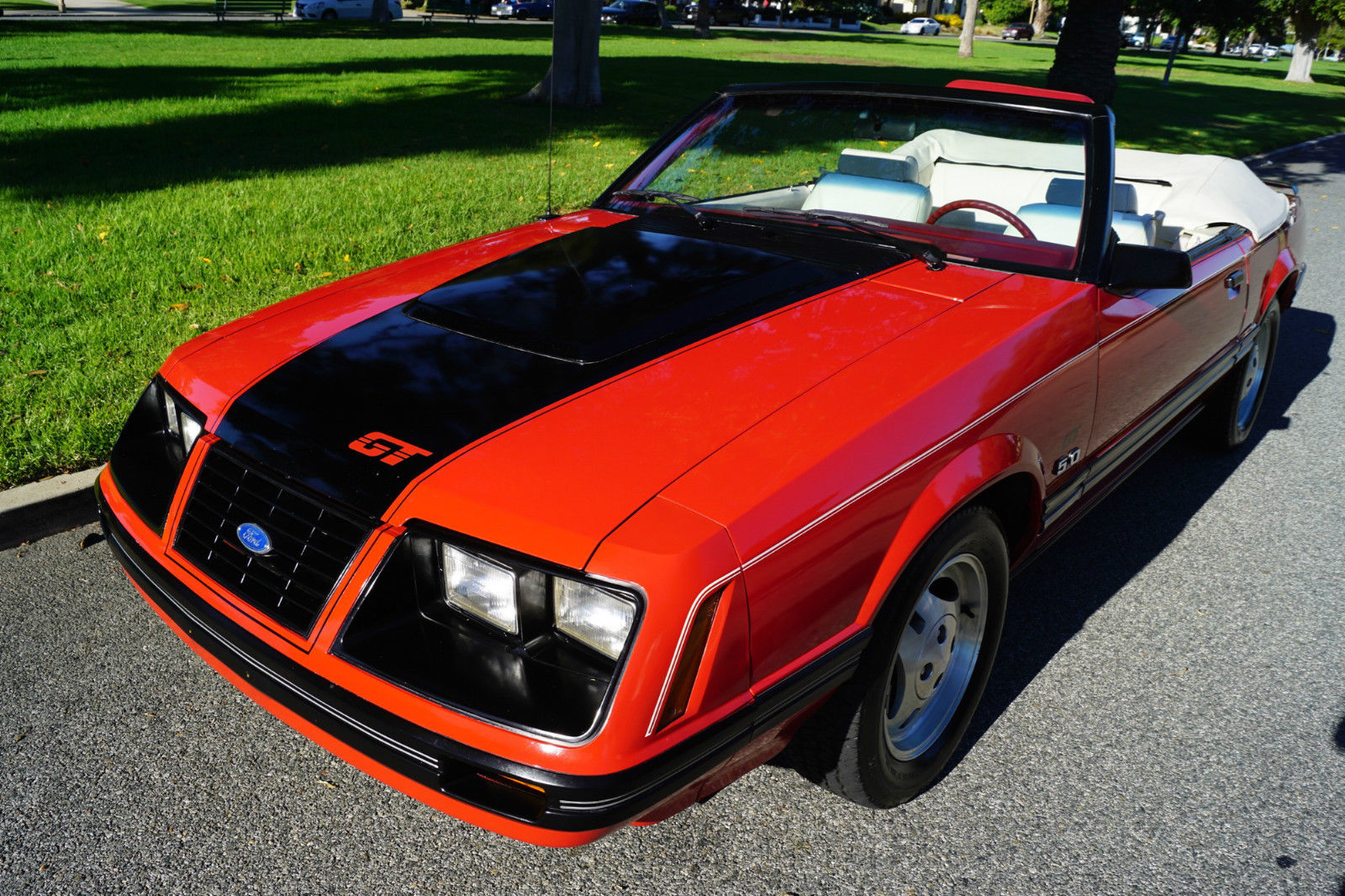 1983 ford mustang 5 spd glx convertible for sale. Black Bedroom Furniture Sets. Home Design Ideas