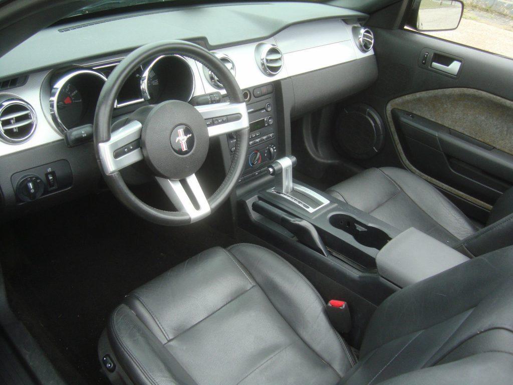 2005 Ford Mustang V6 Convertible