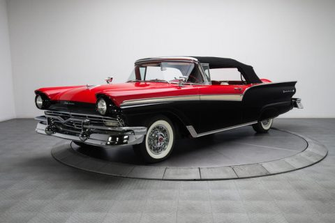 first class 1957 Ford Fairlane 500 Sunliner Convertible for sale