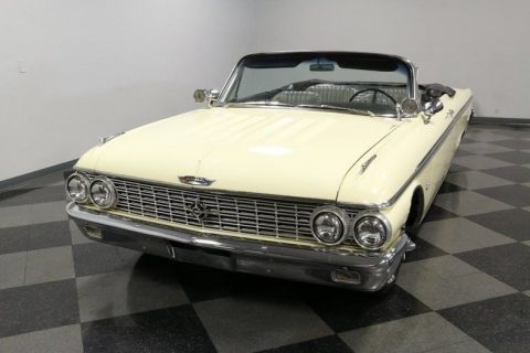 classic cruiser 1962 Ford Galaxie 500 XL Sunliner Convertible for sale