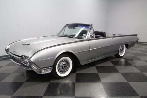 classy 1961 Ford Thunderbird Convertible for sale