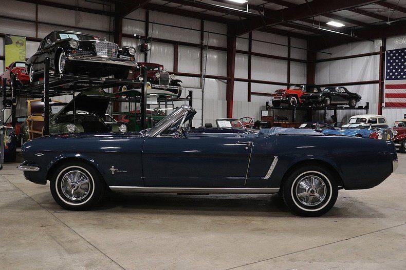 new top 1965 Ford Mustang Convertible