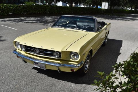 very nice and clean 1965 Ford Mustang Convertible for sale