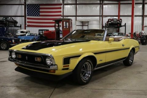 very nice 1972 Ford Mustang Convertible for sale