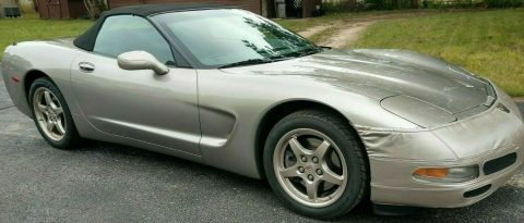 great shape 2000 Chevrolet Corvette convertible for sale