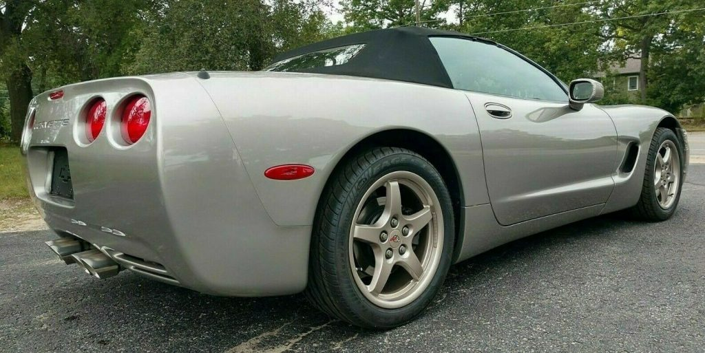 great shape 2000 Chevrolet Corvette convertible