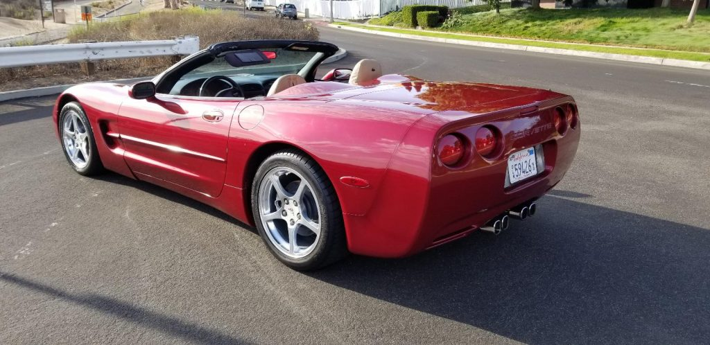 very nice 2000 Chevrolet Corvette convertible
